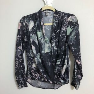 H&M long sleeve abstract color long sleeve blouse